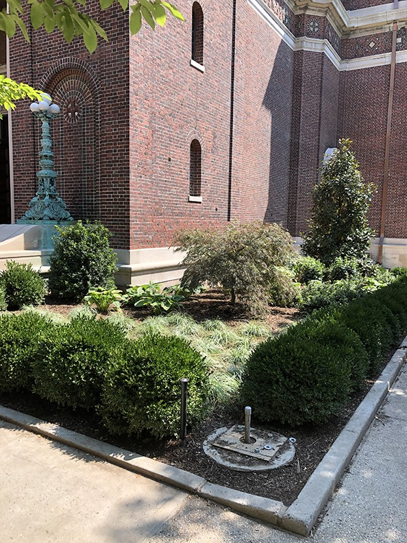 Landscaping around the corner of St. Paul's Chapel.
